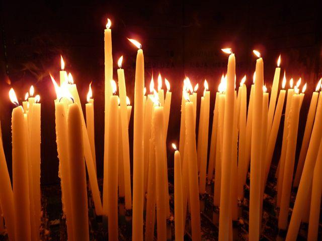 Er zijn heel veel kaarsen opgestoken voor Tim
